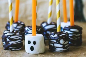 Marshmallow Pops (photo courtesy of Dear Chrissy)